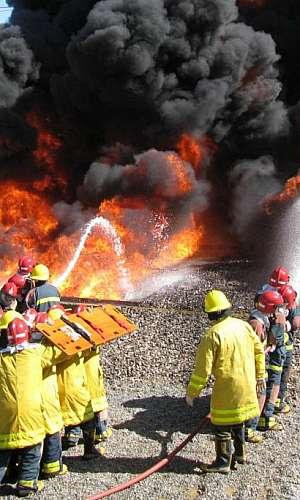 Curso de combate a incêndio da marinha