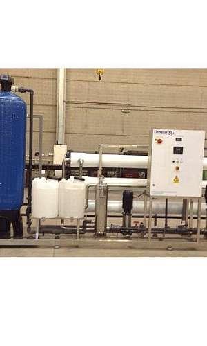 Desmineralização de água por osmose inversa