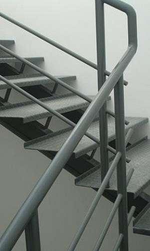 Escada de ferro reta