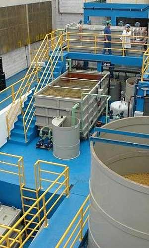 Gerenciamento de resíduos industriais para tratamento de efluentes
