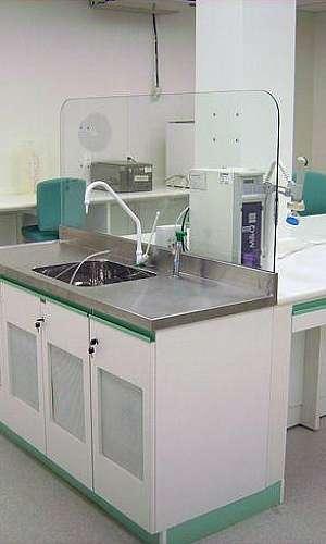 Mobiliário para laboratório de análises clínicas